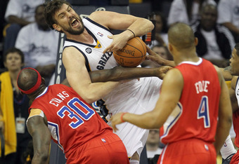 The defensive efforts of Reggie Evans helped to upend the Grizzlies.