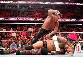 Jericho pouring beer on CM Punk—a dispicable heel move (Credit: Onegeeknation.com).