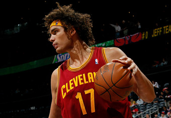 ATLANTA, GA - JANUARY 21:  Anderson Varejao #17 of the Cleveland Cavaliers against the Atlanta Hawks at Philips Arena on January 21, 2012 in Atlanta, Georgia.  NOTE TO USER: User expressly acknowledges and agrees that, by downloading and or using this pho