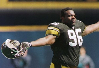 29 Sep 1996:  Defensive lineman Brentson Buckner of the Pittsburgh Steelers celebrates recovering a Houston Oilers fumble during the first quarter at Three Rivers Stadium in Pittsburgh, Pennslyvania. Mandatory Credit: Rick Stewart/Allsport