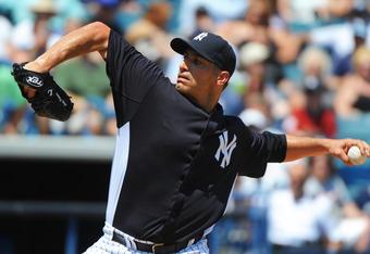 Pettitte's return may reduce the pain of Rivera's injury