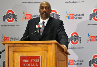 COLUMBUS, OH - NOVEMBER 28:  Athletics Director Gene Smith of The Ohio State University introduces Urban Meyer as the 24th head coach in Ohio State football history at a press conference on November 28, 2011 in Columbus, Ohio. (Photo by Jamie Sabau/Getty