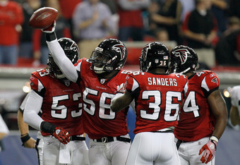 Sean Weatherspoon will be calling the plays in the defensive huddle in 2012.