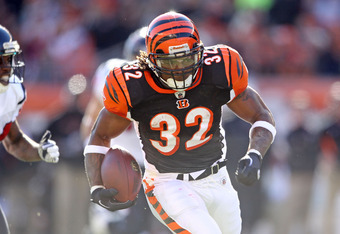 CINCINNATI, OH - DECEMBER 11:  Cedric Benson#32 of the Cincinnati Bengals runs with the ball during the NFL game against Houston Texans at Paul Brown Stadium on December 11, 2011 in Cincinnati, Ohio.  (Photo by Andy Lyons/Getty Images)