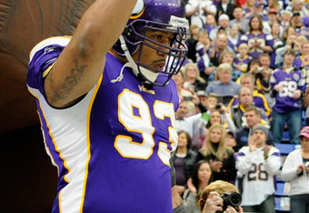 MINNEAPOLIS, MN - NOVEMBER 20: Kevin Williams #93 of the Minnesota Vikings runs onto the field before the game against the Oakland Raiders on November 20, 2011 at Hubert H. Humphrey Metrodome in Minneapolis, Minnesota. (Photo by Hannah Foslien/Getty Image