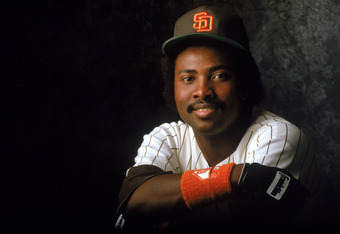 FEBRUARY:  Tony Gwynn #19 of the San Diego Padres poses for a portrait in February, 1987.  (Photo by Rick Stewart/Getty Images)