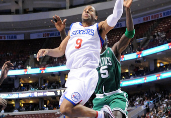 PHILADELPHIA - NOVEMBER 03:  Andre Iguodala #9 of the Philadelphia 76ers dunks against the Boston Celtics at the Wachovia Center on November 3, 2009 in Philadelphia, Pennsylvania.  NOTE TO USER: User expressly acknowledges and agrees that, by downloading