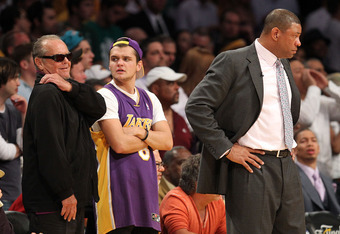 Jack Nicholson on top of the action at Lakers' game