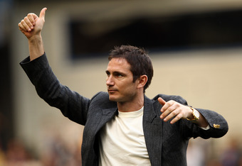 LONDON, ENGLAND - MAY 13:  Frank Lampard of Chelsea applauds the fans during the Barclays Premier League match between Chelsea and Blackburn Rovers at Stamford Bridge on May 13, 2012 in London, England.  (Photo by Ian Walton/Getty Images)