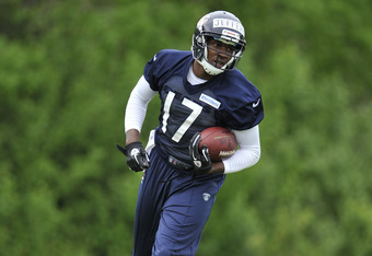 LAKE FOREST, IL - MAY 12:  Wide receiver Alshon Jeffery #17 of the Chicago Bears stands on the field during rookie minicamp at Halas Hall on May 12, 2012 in Chicago, Illinois. Jeffery was selected by the Bears in the second round of the 2012 draft.  (Phot