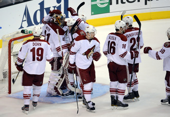Mike Smith and teammates savor the Game 4 victory.