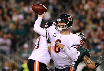 PHILADELPHIA, PA - NOVEMBER 07:  Quarterback Jay Cutler #6 of the Chicago Bears throws a pass against the Philadelphia Eagles during the second quarter of the game at Lincoln Financial Field on November 7, 2011 in Philadelphia, Pennsylvania.  (Photo by Ni
