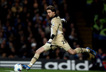 LONDON, ENGLAND - MAY 02:  Goalkeeper Tim Krul of Newcastle takes a goal kick during the Barclays Premier League match between Chelsea and Newcastle United at Stamford Bridge on May 2, 2012 in London, England.  (Photo by Ian Walton/Getty Images)