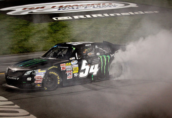 Kurt Busch narrowly edged out Hamlin at Richmond