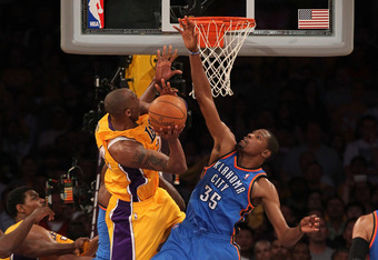Kevin Durant proved that he can play defense too against Kobe Bryant and the Lakers.