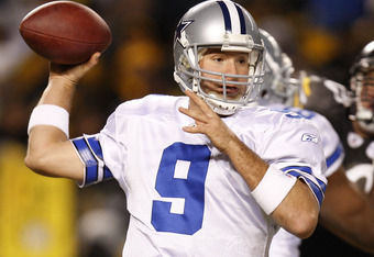 PITTSBURGH - DECEMBER 07: Tony Romo #9 of the Dallas Cowboys throws a fourth quarter pass while playing the Pittsburgh Steelers on December 7, 2008 at Heinz Field in Pittsburgh, Pennsylvania. Pittsburgh won the game 20-13. (Photo by Gregory Shamus/Getty I