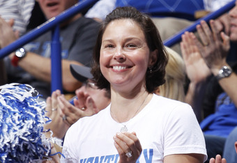 LEXINGTON, KY - DECEMBER 3: Actress and Kentucky Wildcats fan Ashley Judd cheers during the game against the North Carolina Tar Heels at Rupp Arena on December 3, 2011 in Lexington, Kentucky. Kentucky won 73-72. (Photo by Joe Robbins/Getty Images)