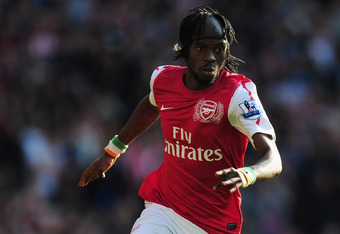 LONDON, ENGLAND - OCTOBER 23:  Gervinho of Arsenal runs with the ball during the Barclays Premier League match between Arsenal and Stoke City at the Emirates Stadium on October 23, 2011 in London, England.  (Photo by Jamie McDonald/Getty Images)