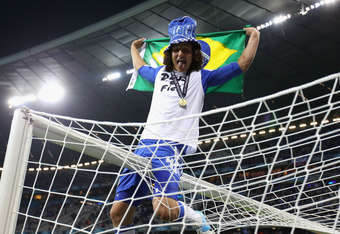 MUNICH, GERMANY - MAY 19:  David Luiz of Chelsea celebrates after their victory in the UEFA Champions League Final between FC Bayern Muenchen and Chelsea at the Fussball Arena München on May 19, 2012 in Munich, Germany.  (Photo by Alex Livesey/Getty Image