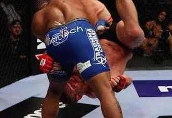 Cormier made it look easy against Barnett / fightcove.com