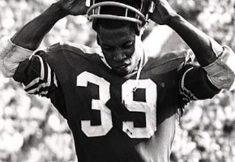Amazing black and white shot of Kermit Alexander.