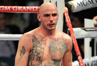 LAS VEGAS, NV - MAY 07:  Kelly Pavlik walks back to his corner between rounds during his super middleweight fight against Alfonso Lopez at the MGM Grand Garden Arena May 7, 2011 in Las Vegas, Nevada. Pavlik won by majority decision.  (Photo by Ethan Mille