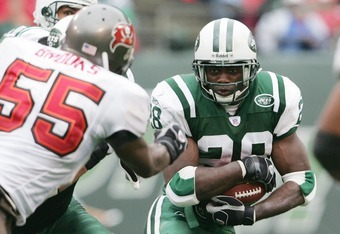 EAST RUTHERFORD, NEW JERSEY - OCTOBER 9:  Running back Curtis Martin #28 of the New York Jets rushes against the Tampa Bay Buccaneers on October 9, 2005 at Giants Stadium in East Rutherford, New Jersey.  The Jets won 14-12.  (Photo by Nick Laham/Getty Ima