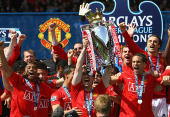 Manchester United won the third consecutive Premier League title in 2008-09.
