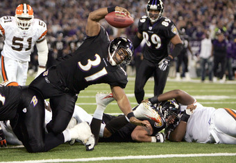 BALTIMORE - NOVEMBER 7:  Running back Jamal Lewis #31 of the Baltimore Ravens dives in for a touchdown against the Cleveland Browns on November 7, 2004 at M&T Bank Stadium in Baltimore, Maryland. (Photo by Doug Pensinger/Getty Images)