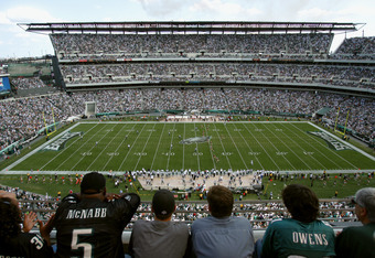PHILADELPHIA - SEPTEMBER 18:  Fans watch the game between the Philadelphia Eagles and the San Francisco 49ers on September 18, 2005 at Lincoln Financial Field in Philadelphia, Pennsylvania.  The 49ers won 49-3.  (Photo by Jamie Squire/Getty Images)