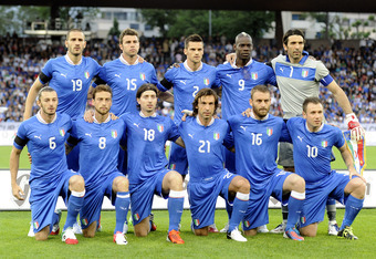 ZURICH, SWITZERLAND - JUNE 01:  Italy team poses for a photo during the international friendly match between Italy and Russia at Letzigrund on June 1, 2012 in Zurich, Switzerland.  (Photo by Claudio Villa/Getty Images)