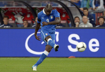 ZURICH, SWITZERLAND - JUNE 01:  Mario Balotelli of Italy during the international friendly match between Italy and Russia at Letzigrund on June 1, 2012 in Zurich, Switzerland.  (Photo by Claudio Villa/Getty Images)