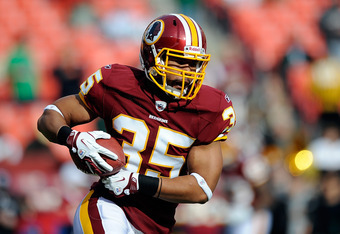 LANDOVER, MD - DECEMBER 04:   Evan Royster #35 of the Washington Redskins warms up prior to a game against the New York Jets at FedExField on December 4, 2011 in Landover, Maryland.  (Photo by Patrick McDermott/Getty Images)