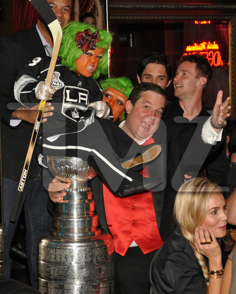 Beachers-madhouse-stanley-cup-012-480w_original