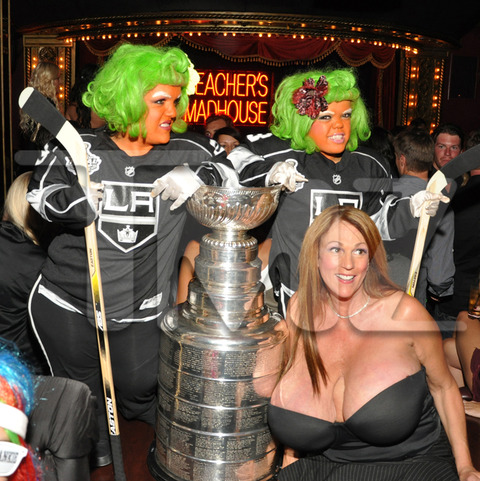 Beachers-madhouse-stanley-cup-013-480w_original
