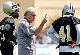 Curtis Lofton has worked hard to pick up the new defense in New Orleans (photo courtesy of AP).