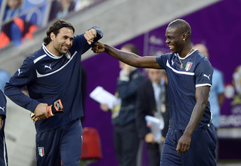 A knee injury will reportedly keep Italy's Mario Balotelli (right) out of Monday's match against Ireland.