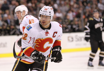 DALLAS, TX - MARCH 24:  Jarome Iginla #12 of the Calgary Flames at American Airlines Center on March 24, 2012 in Dallas, Texas.  (Photo by Ronald Martinez/Getty Images)