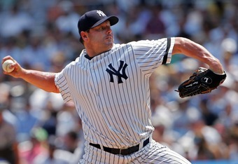 NEW YORK - AUGUST 02:  Starting pitcher Roger Clemens #22 of the New York Yankees delivers against the Chicago White Sox at Yankee Stadium on August 2, 2007 in the Bronx borough of New York City.  (Photo by Michael Heiman/Getty Images)