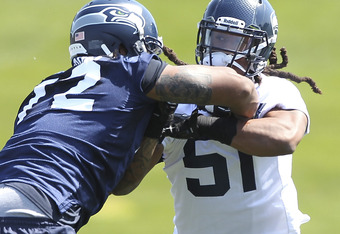 Bruce Irvin showing off his ability to bull rush