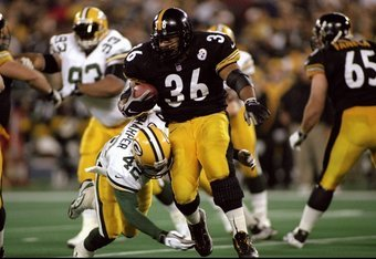9 Nov 1998:  Running back Jerome Bettis #36 of the Pittsburgh Steelers in action during the game against the Green Bay Packers at the Three Rivers Stadium in Pittsburgh, Pennsylvania. The Steelers defeated the Packers 27-20. Mandatory Credit: Rick Stewart