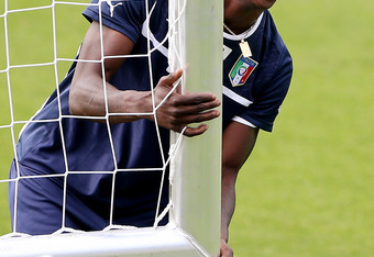 KRAKOW, POLAND - JUNE 20:  Mario Balotelli of Italy laughs during a training session ahead of their UEFA EURO 2012 quarter-final against England at Marshal Józef Pilsudski Stadium on June 20, 2012 in Krakow, Poland.  (Photo by Scott Heavey/Getty Images)