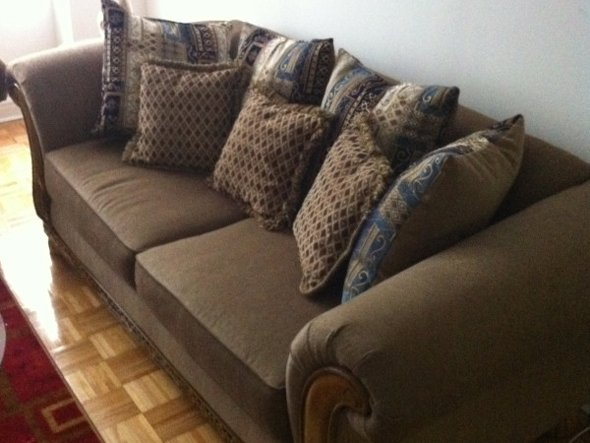 Where-he-used-to-live-landry-fieldss-couch_original