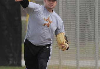 KISSIMMEE, FL - FEBRUARY 27: Roger Clemens warms up prior to throwing batting practice to the minor leaguers at Houston Astros Spring Training at Osceola County Stadium on February 27, 2008 in Kissimmee, Florida. The U.S. House Oversight and Government Re
