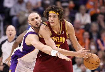 PHOENIX, AZ - JANUARY 12:  Anderson Varejao #17 of the Cleveland Cavaliers in action during the NBA game against the Phoenix Suns at US Airways Center on January 12, 2012 in Phoenix, Arizona.  NOTE TO USER: User expressly acknowledges and agrees that, by