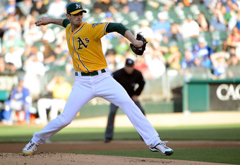 OAKLAND, CA - JUNE 19:  Brandon McCarthy #32 of the Oakland Athletics pitches against the Los Angeles Dodgers at O.co Coliseum on June 19, 2012 in Oakland, California.  (Photo by Thearon W. Henderson/Getty Images)