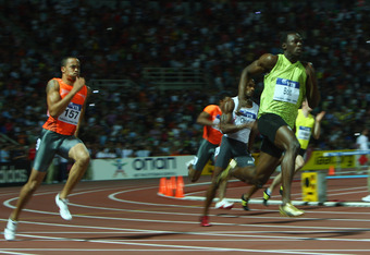 THESSALONIKI, GREECE - SEPTEMBER 13:  Usain Bolt (r) of Jamaica on his way to victory in the men's 200m during day two of the IAAF World Athletics Final at the Kaftanzoglio Stadium on September 13, 2009 in Thessaloniki, Greece.  (Photo by Michael Steele/G