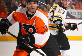 PHILADELPHIA, PA - DECEMBER 17:  Jaromir Jagr #68 of the Philadelphia Flyers in action against the Boston Bruins  during their game on December17, 2011 at The Wells Fargo Center in Philadelphia, Pennsylvania.  (Photo by Al Bello/Getty Images)