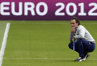KRAKOW, POLAND - JUNE 25:  Italy head coach Cesare Prandelli during a training session at Marshal Józef Pilsudski Stadium on June 25, 2012 in Krakow, Poland.  (Photo by Claudio Villa/Getty Images)