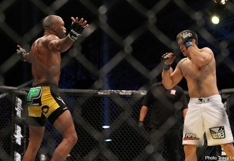 When Anderson Silva is unmotivated, the clown usually takes the place of the fighter.  Image courtesy of Tracy Lee/Yahoo! Sports.